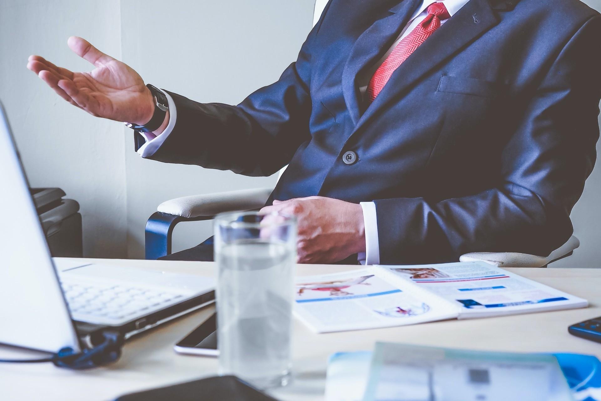 ▲上班,工作,老闆,業務,公事,談判,西裝,領帶,商業。(圖/pixabay)