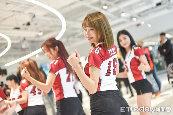 ▲樂天桃猿啦啦隊春訓,Yuri。(圖/記者林敬旻攝)