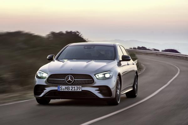 ▲賓士小改款E-Class(W213)亮相。(圖/翻攝自Mercedes-Benz)