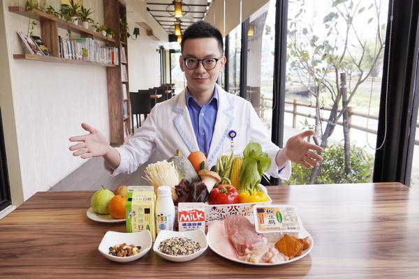 ▲桃園天晟醫院李昌儒營養師
