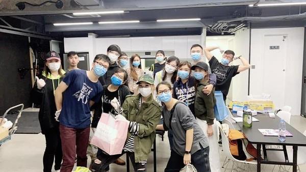 【疫情延燒】鄭秀文受新冠肺炎衝擊停工 改當義工送物資