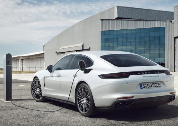 ▲保時捷(Porsche) Panamera Turbo S E-Hybrid。(圖/翻攝自Porsche)