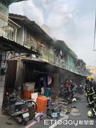 ▲嘉義市北港路某巷弄火警。(圖/讀者提供)