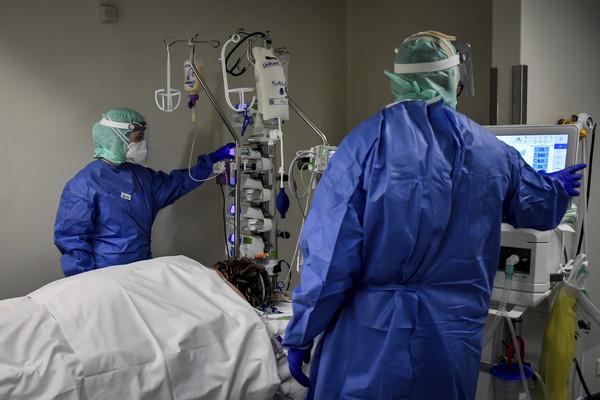 快訊/義大利8000醫護人員確診感染!「63位醫師病逝」