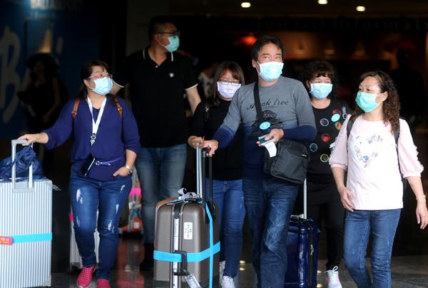 一張圖揭秘「戴口罩到底有沒有用」!醫讚:台灣在正確方向上