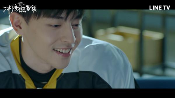 ▲▼鄧倫客串《冰糖燉雪梨》飾演世界級冰球運動員徐峰             。(圖/LINE TV提供)