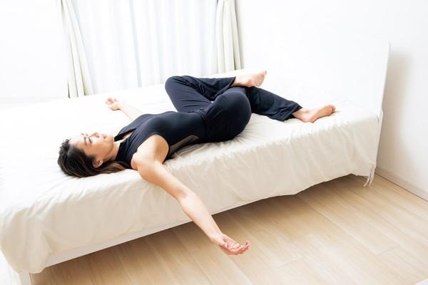 防疫宅在家更要動起來! 日本瑜珈老師傳授不動零位訓練