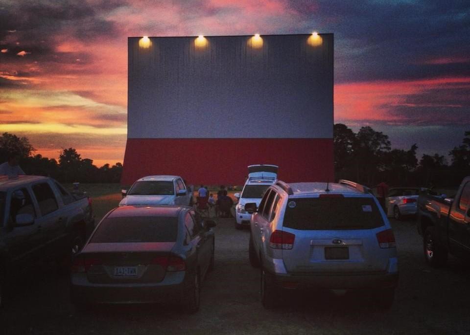 ▲▼汽車電影院(圖/翻攝自Facebook/Showboat Drive-In Theater)