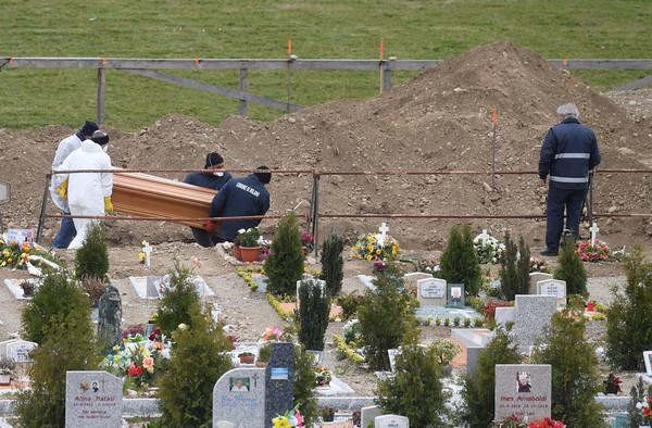 義大利破萬死!新增病例降5.6%破紀錄 病逝人數連2日下降