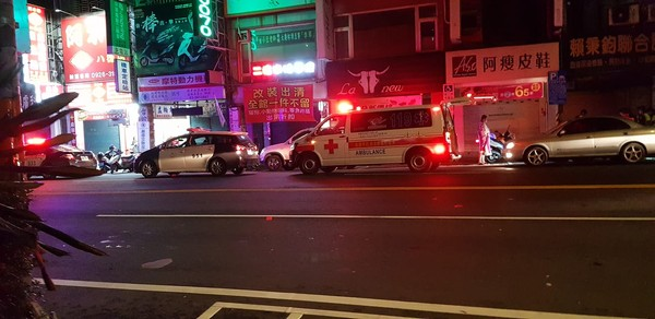 快訊/酒駕男拒檢撞警...警急開槍制止!後座女乘客中彈 送醫搶救亡