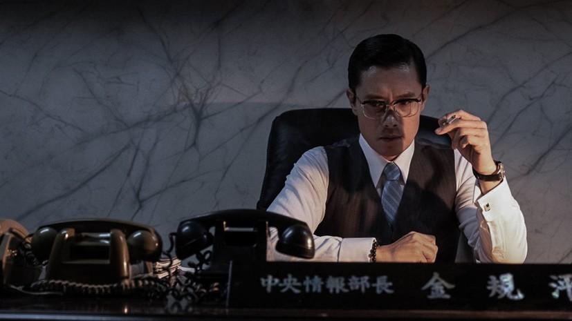 《南山的部長們》The Man Standing Next   ★★★★☆ 改朝換代,換湯不換藥