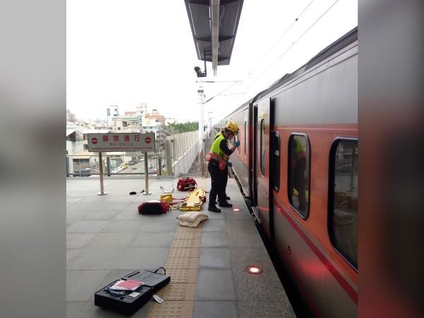 21歲女大生台鐵精武站墜軌!自強號疾駛撞上「失去生命跡象」