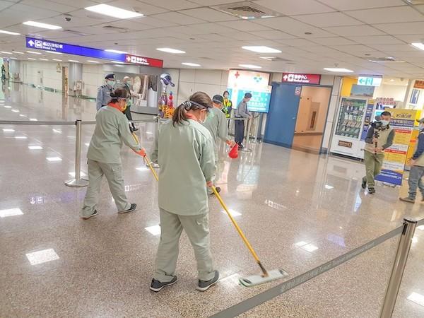林佳龍怒了!觀光局主管兒「機場喝咖啡」害染疫 下令調查:有特權不寬貸