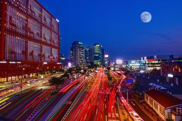 ▲▼南韓近年經濟發展快速,卻是許多百姓血淚堆積而成的(圖/取自Pixabay)