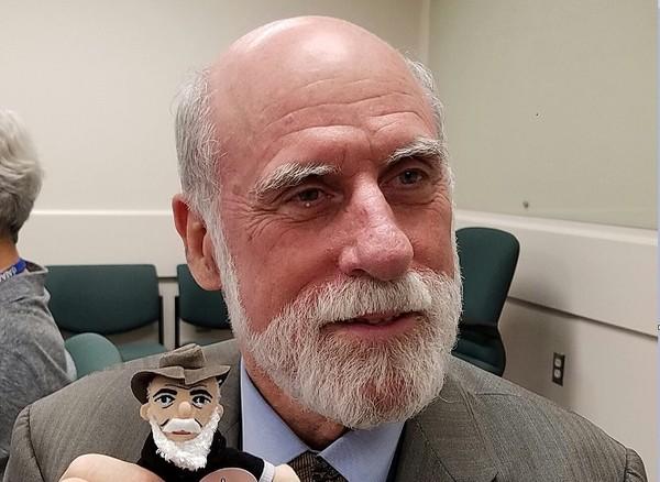 Google高層染疫! 76歲「網際網路之父」確診新冠肺炎