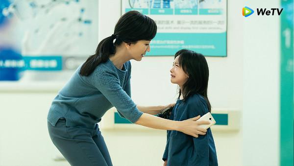 ▲▼ 周迅在《不完美的她》充滿母愛。            。(圖/WeTV提供)