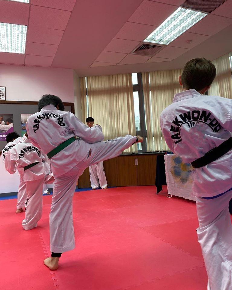 ▲林志穎曾上傳Kimi練習跆拳道的畫面。(圖/翻攝自林志穎臉書)
