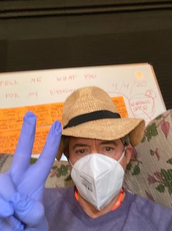 「鋼鐵人」小勞勃道尼證實「親人因肺炎病逝」 戴口罩、手套度過55歲生日