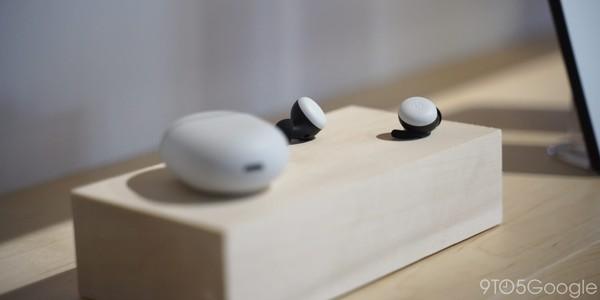Google Pixel Buds 即將登台! 用發音震動感測達到通話降躁