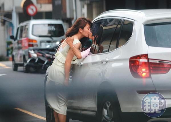 去年6月,謝忻(左)和阿翔當街車吻,壓垮她的事業。