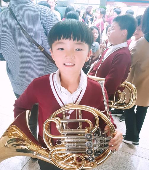 ▲▼高弘俊生前熱愛吹奏法國號(圖/翻攝自韓國器官組織捐贈中心KODA)