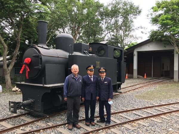 沉睡40年她醒了! 羅東森鐵最後一輛TANK型12噸蒸汽車頭開動