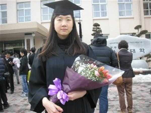 ▲▼金初媛老師畢業於公州師範大學(圖/翻攝自南韓網路論壇)