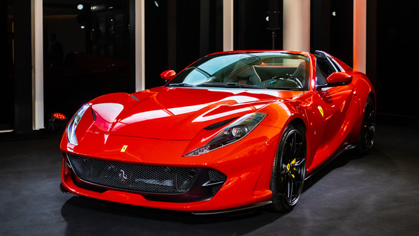 ▲法拉利「最強量產敞篷」812 GTS登台亮相。(圖/翻攝自Ferrari)