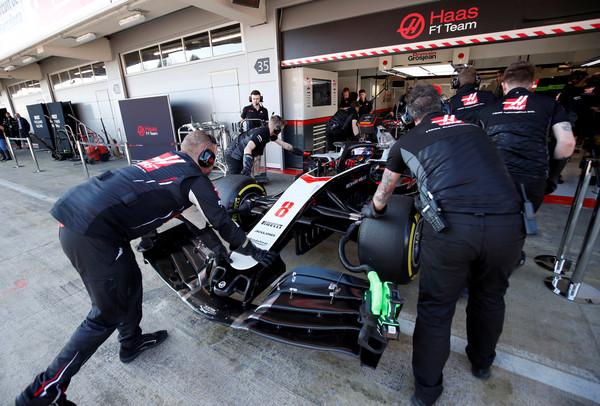 F1将以「无观众关门战」方式复赛 高层直言:没地方跑比没人看还糟(图/路透社)