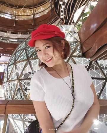 ▲白雲E罩杯被閨蜜嫌難看。(圖/翻攝自白雲Instagram)