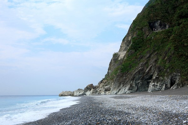 ▲▼花蓮和仁礫灘,和仁下海步道。(圖/野旅行授權提供,請勿隨意翻攝)