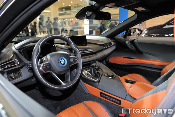 ▲BMW i8 Ultimate Sophisto Edition、i3s Edition RoadStyle全球限量特仕版。(图/记者林鼎智摄)