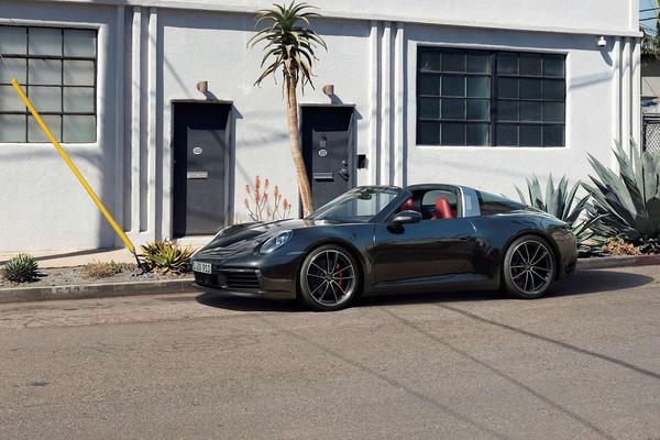 ▲792万起!保时捷「最美敞篷车」911 Targa登场 极速上看304KM。(图/Porsche提供)