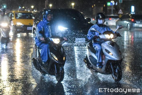 「深夜~周三整天」鋒面雨彈最強熱區曝 氣象局示警有局部豪、大雨
