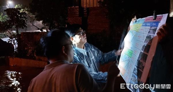 陳其邁深夜直奔台南、高雄勘災 呼籲民眾嚴防大雨、土石流