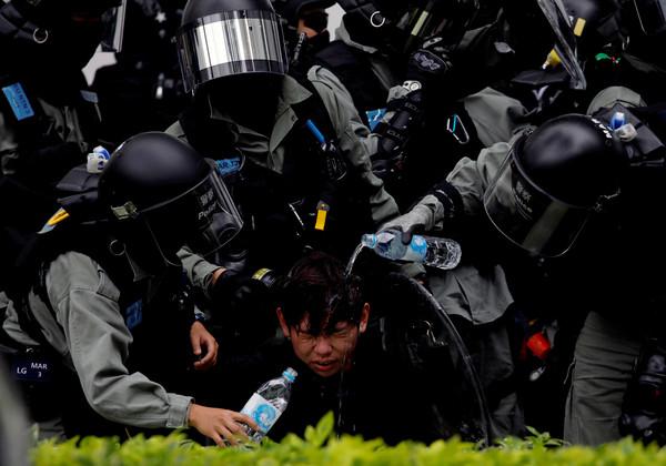 蔡英文「撐香港」推人道救援 國台辦:引黑暴力入台拿石頭砸腳