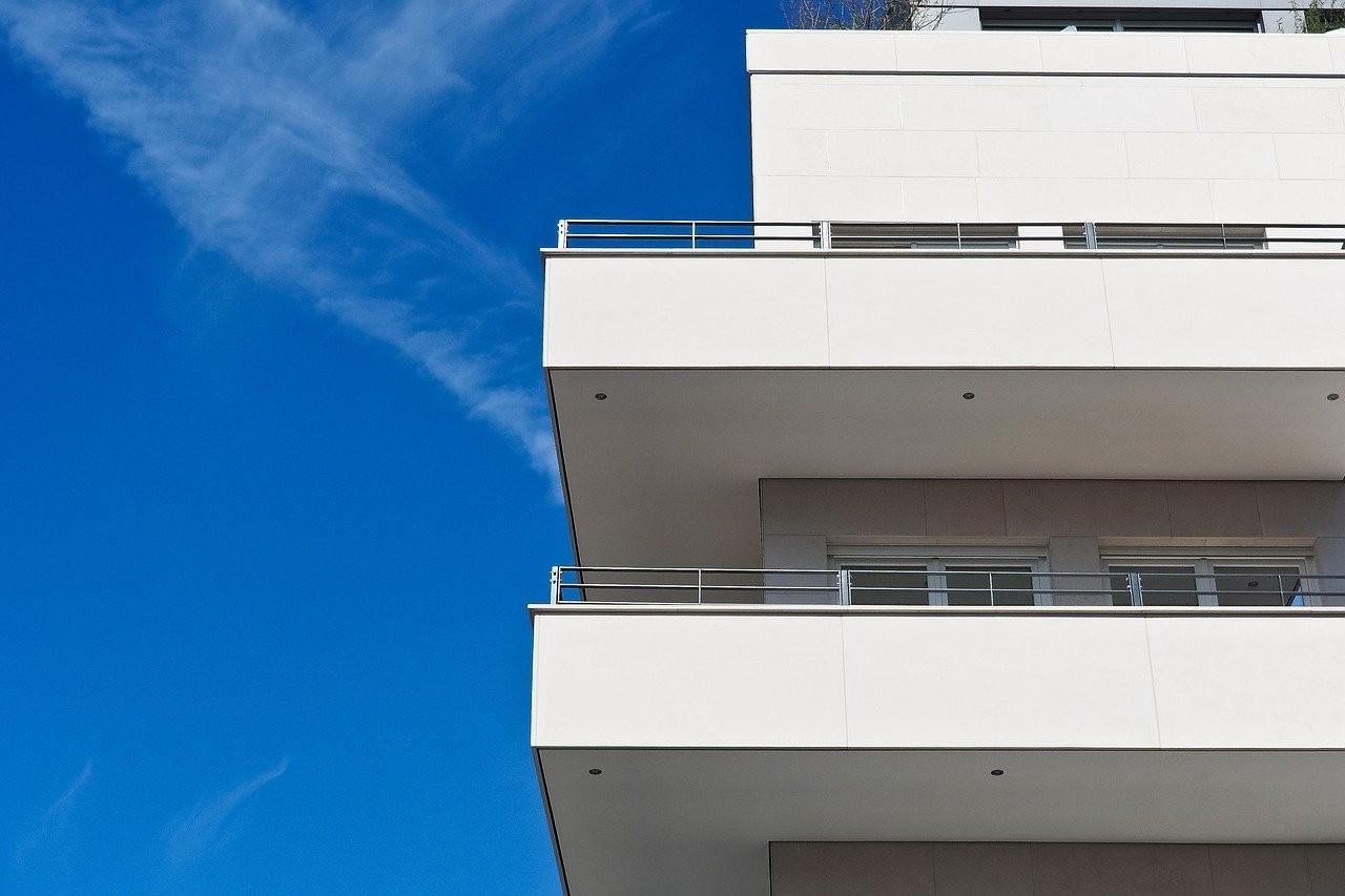 ▲▼大樓,公寓,房屋,房子,陽台。(圖/取自免費圖庫Pixabay)