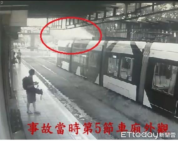 高雄輕軌營運6年重大事故!列車頂冒煙驚險影曝光 6乘客驚逃