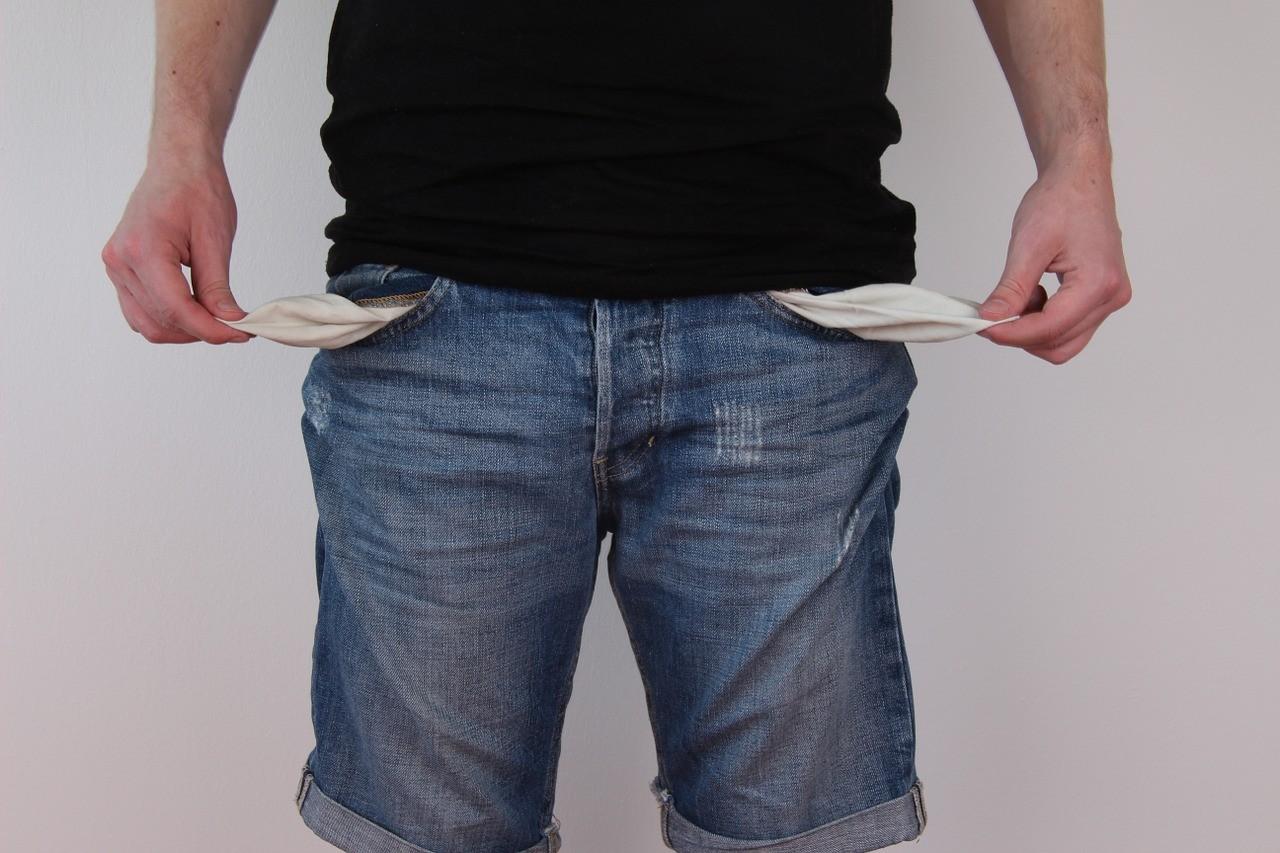 ▲▼口袋,錢,窮。(圖/取自免費圖庫Pixabay)