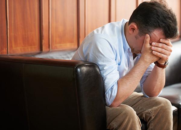 正常人每週花5小時內疚!專家建議「寫下來」:是非常重要的情緒