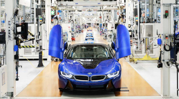 ▲BMW最后一辆i8下线。(图/翻摄自BMW)