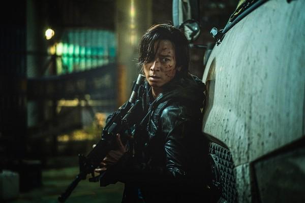 《屍速列車2》台灣搶先全球上映!姜棟元射爆活屍洩:我其實不是英雄
