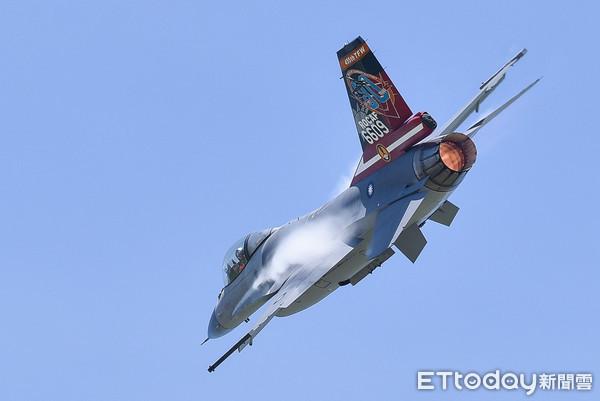 快訊/空軍F-16墜機隊長失聯!同隊機工長「營內寢室」輕生