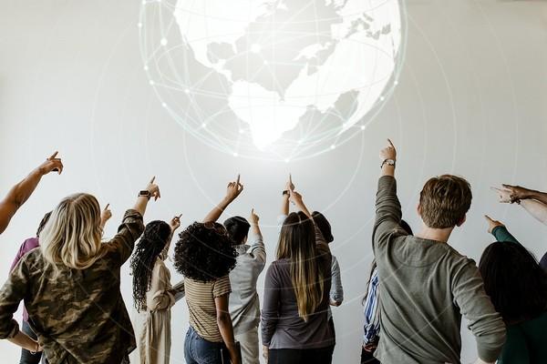 ▲未來網路消費將成為主流。(圖/取自免費圖庫Rawpixel)