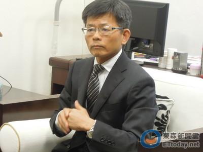台有主權和軍隊 楊秋興挺服貿:別擔心淪為第二個香港