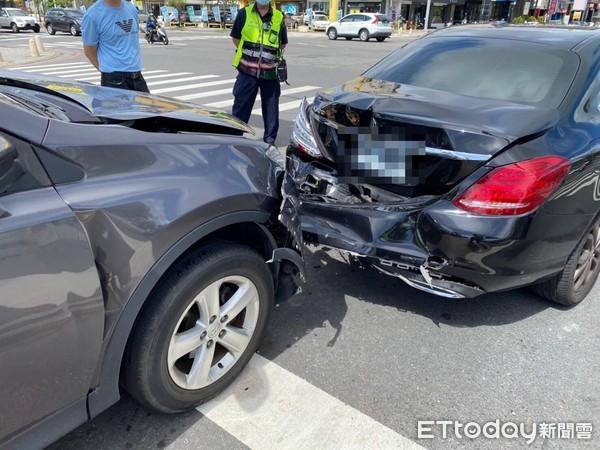 台南市議會前離奇車禍!輕撞賓士車尾 休旅車駕駛亡