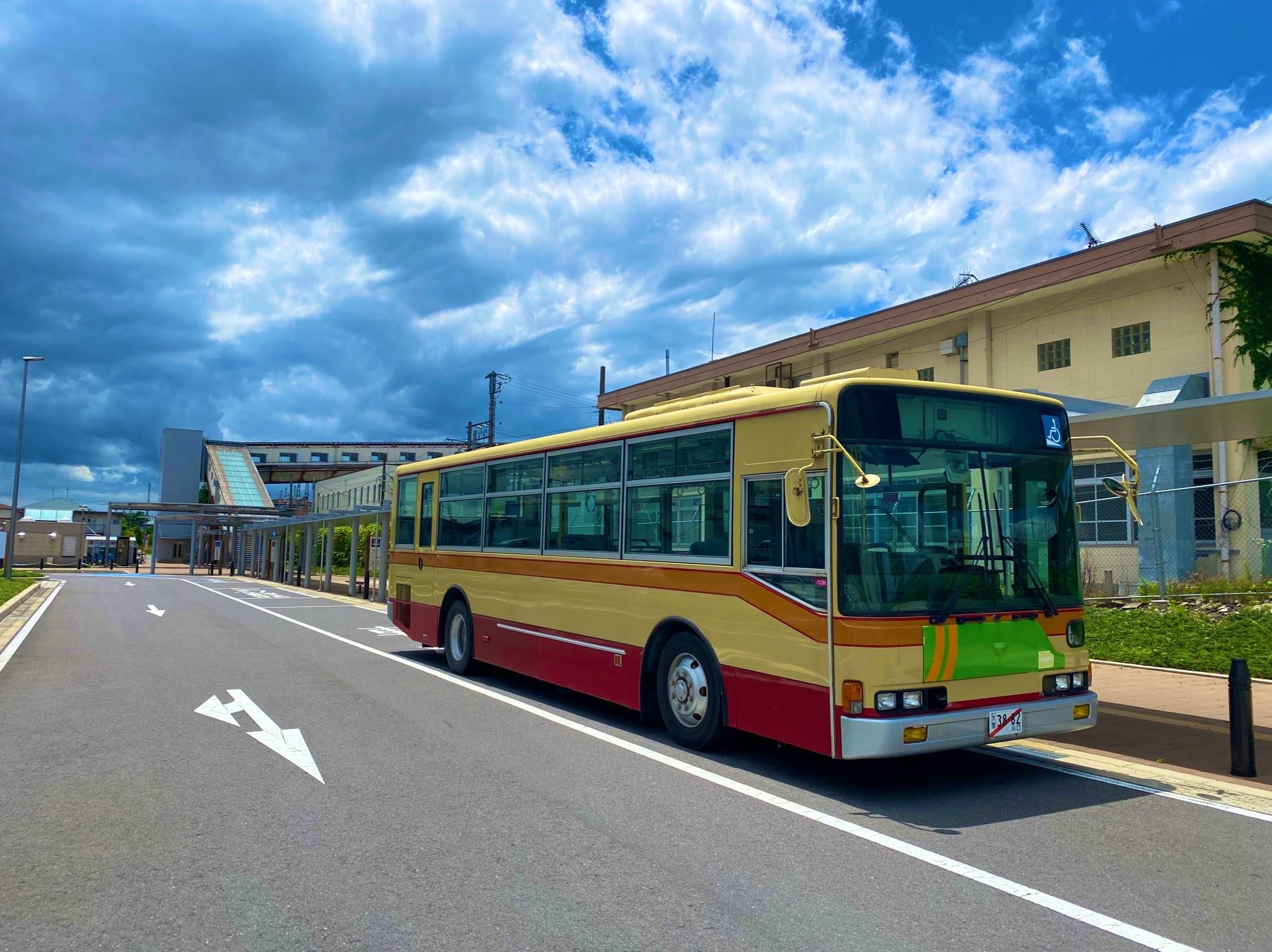 ▲▼日男衝動購物,以台幣12萬買下二手公車。(圖/Twitter/kibaichi)