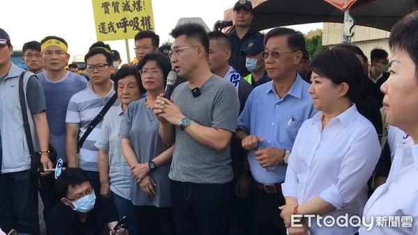 中火前數百人反對重啟機組 江啟臣、王惠美、林明溱齊聲痛批蔡政府
