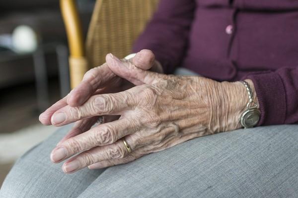 85歲阿嬤堅持獨居「不想給媳婦壓力」:母湯啦!也是別人家女兒 | ETt