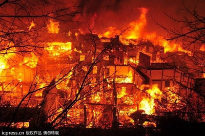 雲南香格里拉古城四方街遭火吞噬 藏族文物全毀了